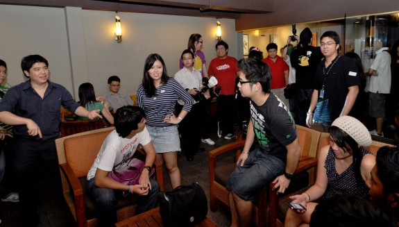 Foursquare users gathered in Damansara Uptown to celebrate Foursquare Day and participate in a scavenger hunt.