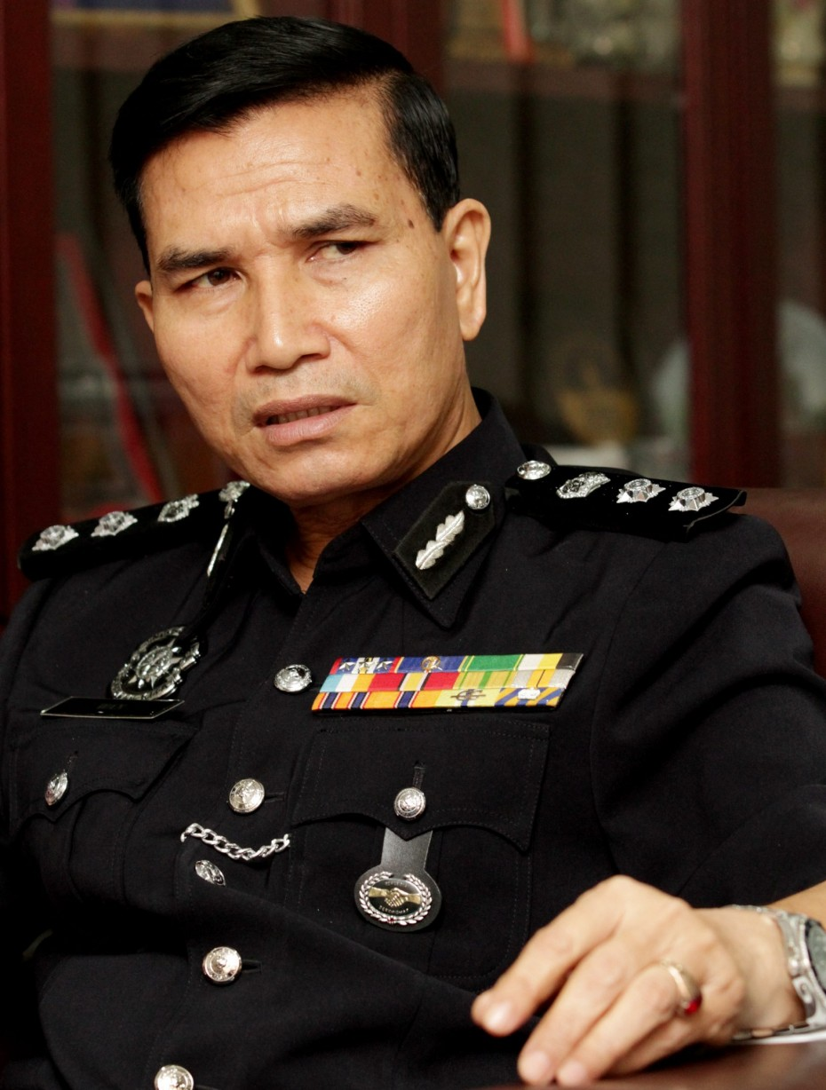 Kuala Lumpur narcotics chief ACP Wan Abdullah Ishak doesn't believe students fully understand the consequences of buying and sharing marijuana, stating that possession of just 200g can land one the death penalty.