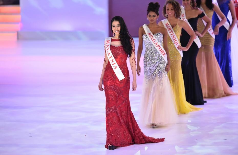 Dewi Liana Seriestha, Pageant, Beauty,