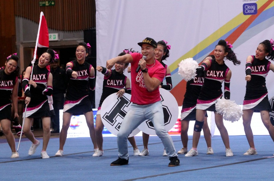 CHEER Celebrity Supporter Dennis Yin doing the #NaeNae with his adopted team, the Calyx All-Girls. Yin paid the team a surprise visit ahead of the CHEER Finals, and clearly inspired them as they came in second in their category.
