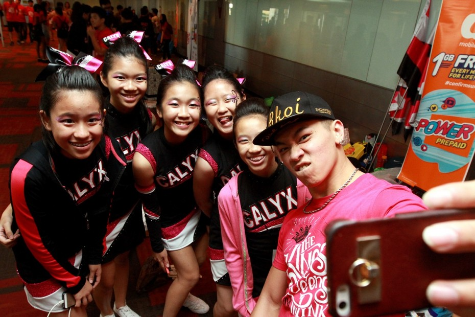In the spirit of CHEER, Dennis Yin came clad in the Calyx's supporter t-shirt. -- Photo: LOW LAY PHON/The Star