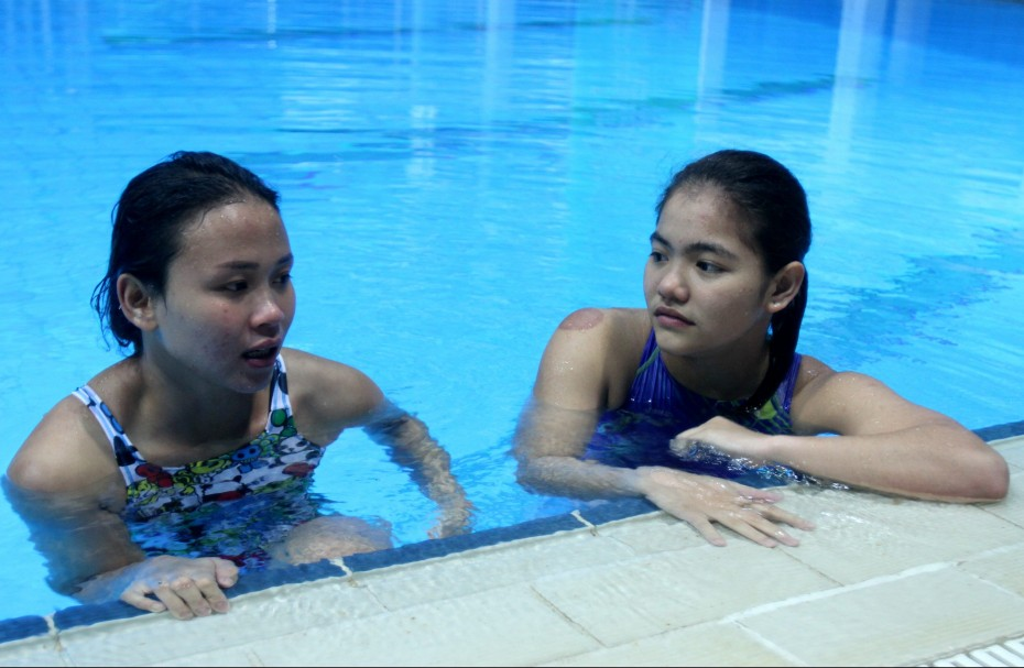 Pandelela acts as a mentor and gives Nur Dhabitah advice after training . ―Photo: AZHAR ARIF/The Star
