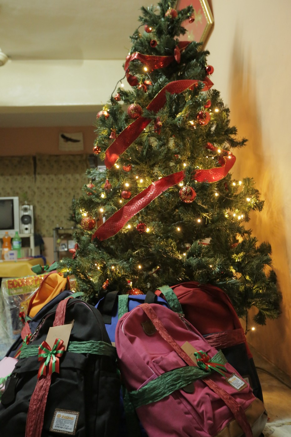 The Christmas tree and presents that R.AGE placed at Shabaz's house while he and the other families were away. ― Photo: ELROI YEE/The Star