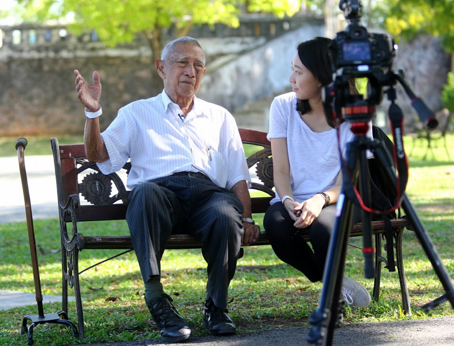 James Jeremiah speaking to R.AGE journalist Vivienne Wong at Fort Conrwallis, Penang.