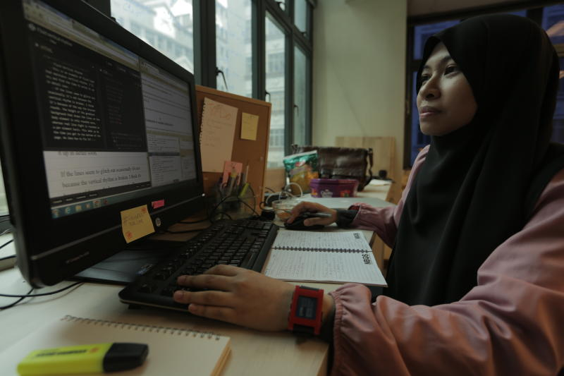 Website programmer Razan said freelancing had its ups and downs, but liked being able to go at her own pace, although she wouldn't give up the stable income her full time job provided. Photo: LIM MAY LEE/THE STAR