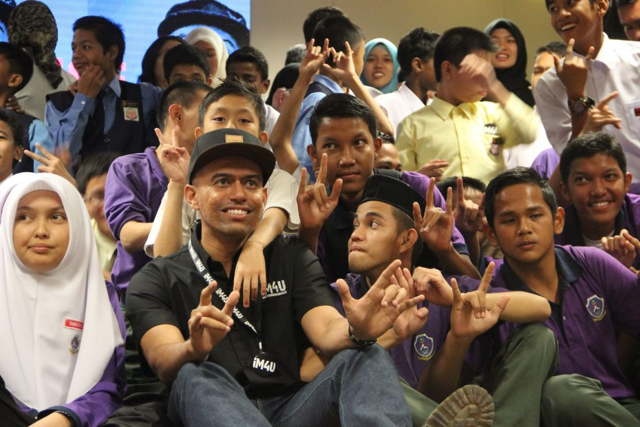 Despite winning numerous awards, Altimet's biggest accolade was when the deaf students he met during his Rapper with a Cause programme loved the sign-language version of his song, Aku Tahu.